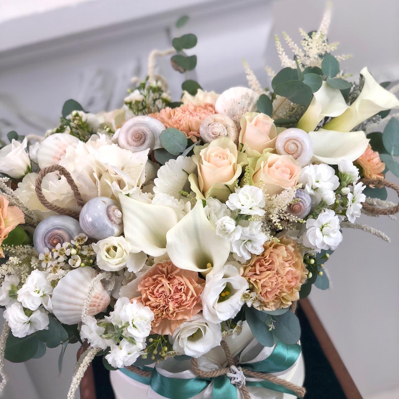 Цветы в коробке М (⌀20 см), №0963