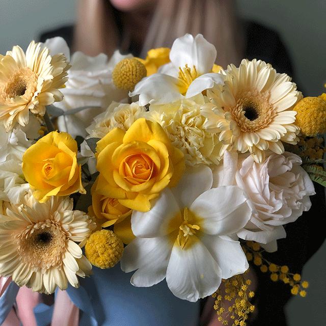 """Цветы в коробке S  """"Лимонный маффин"""" №0210"""