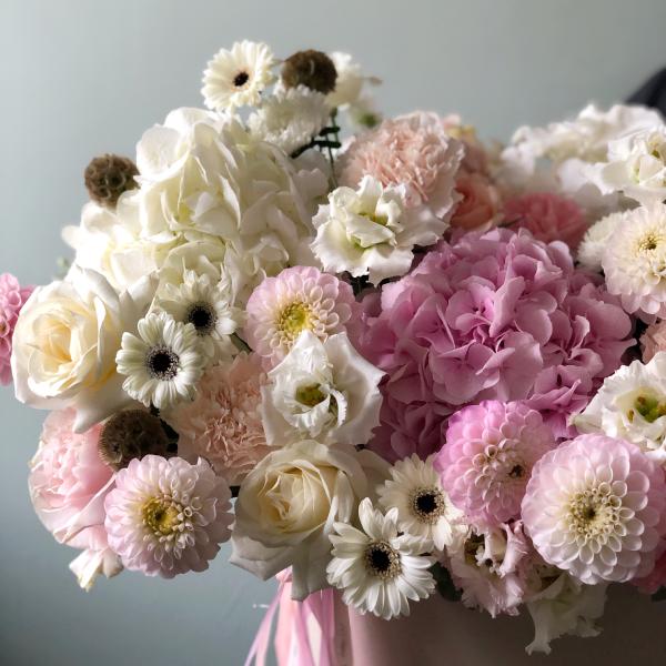 """Цветы в коробке ХL """"Пудровый вальс"""" №0732"""
