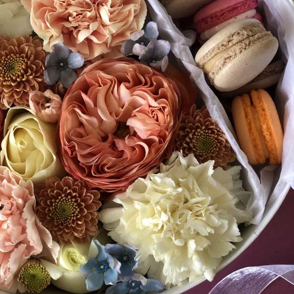 Цветы и макаруны M (⌀20 см), №0141