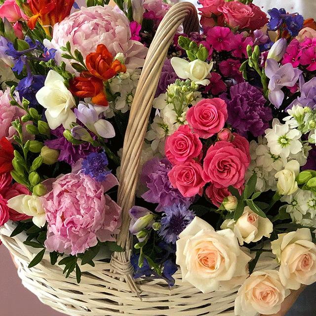 Корзина с цветами  №0535