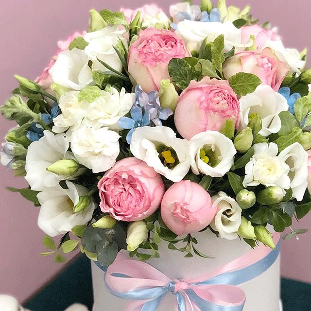 """Цветы в коробке S """"Йогуртовый капкейк"""" №0820"""