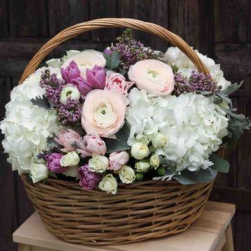 Корзина с цветами №0552