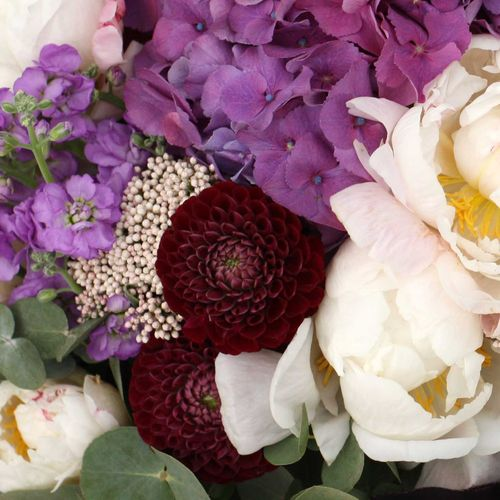Корзина с цветами №2001