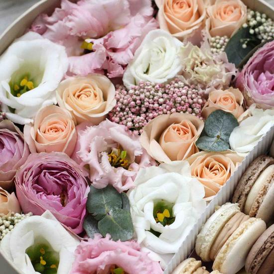 Цветы и макаруны M (⌀20 см), №0116