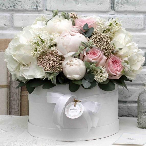 """Цветы в коробке L """"Первая любовь"""" №0573"""