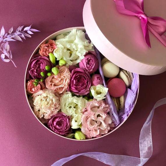 Цветы и макаруны M (⌀20 см), №0122