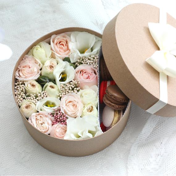 Цветы и макаруны S (⌀17 см), №0174