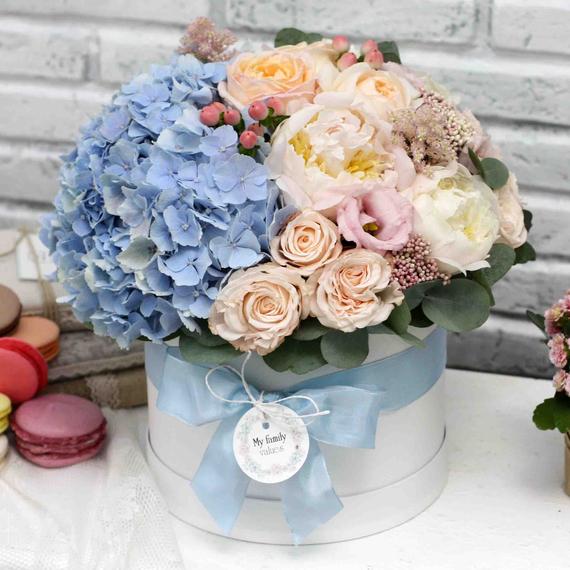 """Цветы в коробке М """"Кассиопея"""" №0588"""