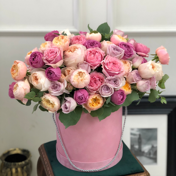 Пионовидные розы в коробке М №0617