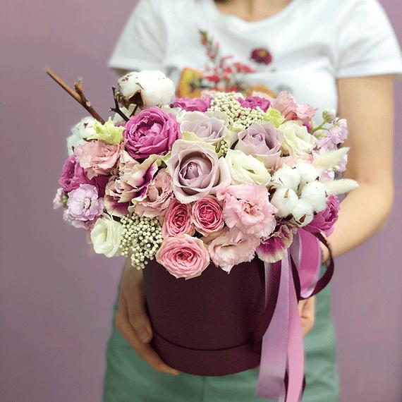 """Цветы в коробке S """"Малиновый капкейк"""" №0825"""