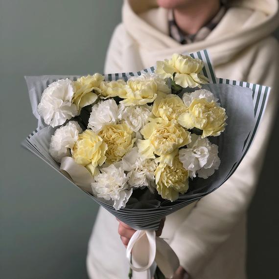 Гвоздики микс белый+лимонный №0533