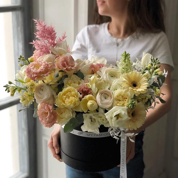 """Цветы в коробке М """"Рассвет"""" №0569"""