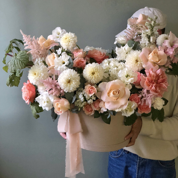 """Цветы в коробке ХL """"Лебединое озеро"""" №0733"""