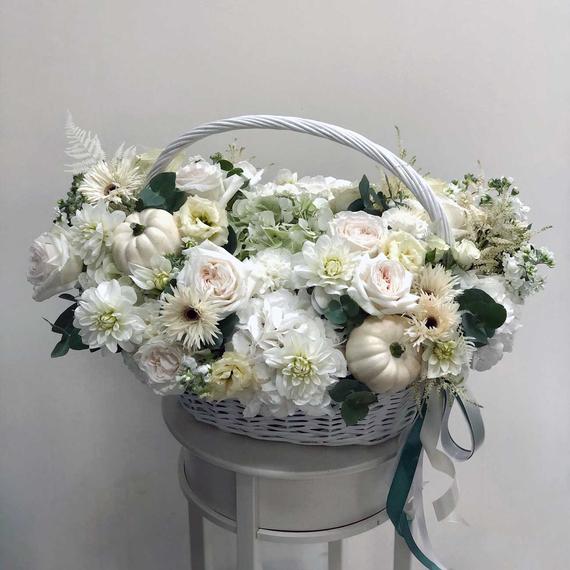 Корзина с цветами и тыквами №0527